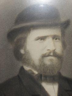 Portait photo du capitaine au long-cours Yves Floch, de l'Ile de Batz,   vers 1880