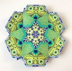How to Fussy Cut! A Lucy Boston Quilt-Along. — Tales of Cloth Paper Piecing Patterns, Quilt Patterns, Millefiori Quilts, Tula Pink Fabric, Hexagon Quilt, Hexagons, Keepsake Quilting, Cute Quilts, Vintage Sewing Machines