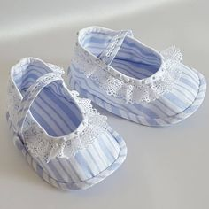 White Baby Shoes, Baby Girl Shoes, Baby Girl Dresses, Baby Dress, Toddler Shoes, Kid Shoes, Girls Shoes, Baby Shoes Tutorial, Crochet Baby Boots