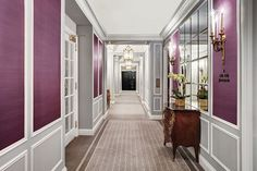 Book your stay at The St. Regis New York in Manhattan, where historic grandeur and modern luxury blend seamlessly to create a hotel experience. Hotel Corridor, Corridor Design, New York City Apartment, New York Hotels, Fine Hotels, Great Hotel, The St, Hotels And Resorts, Luxury Hotels