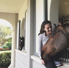 Basic Rules About Horseback Riding For Beginners - FashionActivation Cute Horses, Horse Love, Beautiful Horses, Hv Polo, Horse Girl, Horse Pictures, Equine Photography, Equestrian Style, Horse Riding