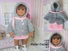 Ensemble veste à capuche, jupe et écharpe au crochet pour poupée Müller Wichtel