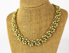 Vintage Necklace| Gold Tone Necklace| Coro Necklace| Circa 1950| Gift for her| Mom Gift| Fashionista Gift| Valentines Da| Stocking Stuffer