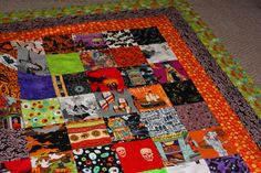 The Q and the U by Riel Nason: Halloween I Spy Quilt Borders and KVQG Show