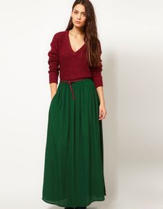 loving this hunter green maxi skirt.i want a maxi skirt so bad. Long Green Skirt, Green Maxi, 80s Fashion, Latest Fashion Clothes, Fashion Outfits, Skirts For Sale, Cute Skirts, Maxi Skirts, Mode Inspiration