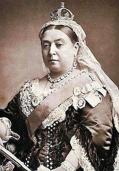 Vittoria di Hannover (Alexandrina Victoria), Gran Bretagna 1819 - 1901, regina del Regno Unito di Gran Bretagna e Irlanda e Imperatrice d'India, è stata il monarca britannico più commemorato nella storia.