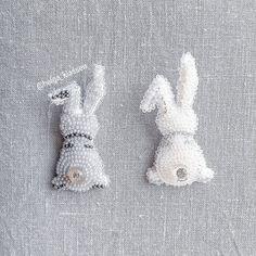 "181 Likes, 2 Comments - Handmade_by_HK (@handmade_by_hk) on Instagram: ""1200 руб . @helga_klassen #handmade_by_HK . #брошьизбисера #брошь #handmade #вышивка #аксесуар…"""