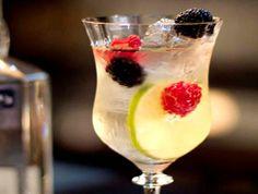 How to make Sangria Blanc #cocktails #Sangria-Blanc