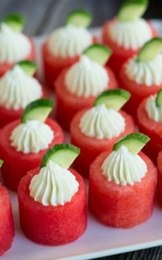 These look so DELICIOUS! This list of watermelon recipes has sweet desserts, savoury salads, and delicious snacks to enjoy with your fresh watermelon. Tapas, Cheese Appetizers, Appetizer Recipes, Appetizer Ideas, One Bite Appetizers, Canapes Recipes, Fruit Appetizers, Appetizer Party, Healthy Appetizers