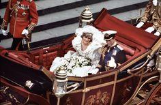 London — Húsz évvel ezelőtt, 1997. augusztus 31-én hunyt el a szívek hercegnője, Diana Spencer (†36). A Blikk új sorozatában visszatekintünk eseménydús életére.
