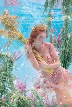Underwater Photography, Portrait Photography, Fashion Photography, Art Reference Poses, Photo Reference, Illustration Manga, Foto Fashion, Aesthetic People, Pretty Photos