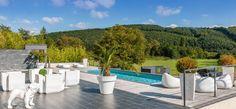 Une magnifique #terrasse réalisée par l'#architecte paysagiste Cyril Combés d'Innov'Tendance