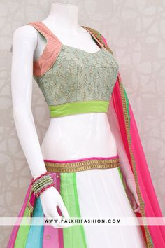 Attractive White Pure Georgette Chaniya Choli Set With Beautiful Designs Indian Designer Outfits, Indian Outfits, Designer Dresses, Garba Chaniya Choli, Lehenga Choli, Dress Designs, Blouse Designs, Cool Outfits, Casual Outfits