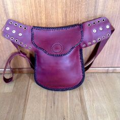 handmade leather purse of waist. vegetable tanned leather. handmade by veintededos
