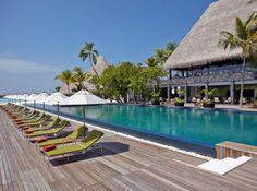 Best Hotels In Bahamas, Hotels And Resorts, Luxury Resorts, Maldives Voyage, Maldives Travel, Maldives Villas, Pool Pool, Swimming Pools, Beste Hotels