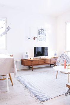 http://www.phomz.com/category/Tv-Stand/ The Camelia - Blog mode, DIY, voyages: novembre 2014