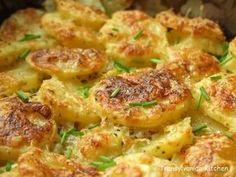 Potato Gratin by Transylvanian Kitchen Tomato Soup Recipes, Veggie Recipes, Whole Food Recipes, Vegetarian Recipes, Cooking Recipes, Potato Dinner, Good Food, Yummy Food, Tasty