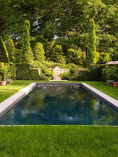 pool im garten ideen If your house has a large backyard and a pool, you're one of the luckiest people in the world. So, how would you like to design this beautiful pool an. Backyard Pool Designs, Swimming Pools Backyard, Swimming Pool Designs, Large Backyard, Backyard Patio, Outdoor Pool, Backyard Landscaping, Pool Colors, Rectangular Pool