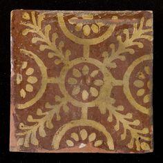 Title: Vloertegel: Haardtegel; palmettetegel Poperinge Date of creation: 1700 - 1800 Place of creation: Belgie, Poperinge Technique: Slibtechniek-inleg  Size: hoogte: 143 mm; breedte: 144 mm; dikte: 11 mm