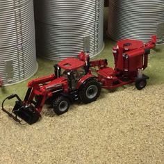 1/64 CASE IH Farm Images, Farm Layout, Case Tractors, Toy Barn, Custom Hot Wheels, Toy Display, Farm Toys, Mini Farm, Scrap Metal Art