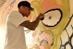 Chris Brown Paints Graffiti ... For Charity!