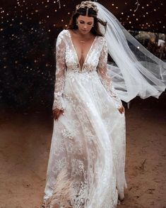 A wedding of dreams ❤️ Stunning & From our retailer Pictures Bohemian Bride, Bohemian Wedding Dresses, Best Wedding Dresses, Bridal Dresses, Bridesmaid Dresses, Elope Wedding, Dream Wedding, Wedding Bells, Wedding Hair