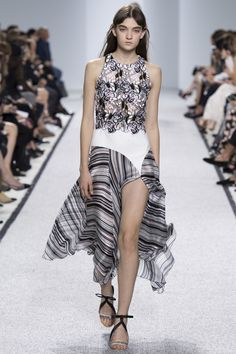love this cut and mix of texture and patterns   Giambattista Valli Spring 2017 Ready-to-Wear Fashion Show - Ratner