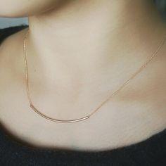 ■ 全長 約40cm■ 素材 真鍮(金メッキ) シンプルですが存在感があり大人っぽい印象をあたえてくれるネックレスです。 重ね付けにもおすすめです♪
