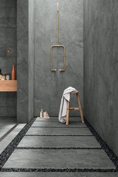 #papapolitis #bathroom #flooring #interior #designing #architecture #bathroominspiration #bathroomideas #bathroomdecor #bathroomgoals #designinspiration #interiordecor #bathroomstyle #design #faucet #interiordesign #homedecor #homedesign #homestyling #interiorstyling #luxurybath #tiles #stones #tileslover #marcacorona Grey Bathrooms Designs, Bathroom Interior Design, White Bathrooms, Luxury Bathrooms, Master Bathrooms, Dream Bathrooms, Industrial Bathroom Design, Cement Bathroom, Modern Bathroom