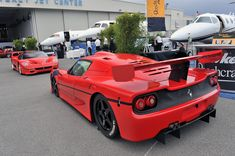Ferrari F50 GT and F50 Road Car Ferrari World, Ferrari Car, Lamborghini, My Dream Car, Dream Cars, Maserati, Bugatti, Top Sports Cars, Vans