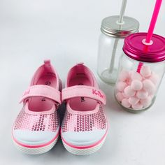 También ha llegado la primavera para las peques de casa. Con las merceditas rosa de Deity brillarán aún más!