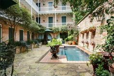 French Quarter Apartment Pool - New Orleans