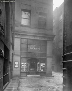 back pool fold Manchester 15 april 1913 King Street Manchester, Manchester Library, Manchester England, Grey Wallpaper Iphone, Local Studies, Old M, Salford, Local History, Scenery