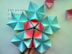 Lampada Origami Di Edward Chew : Best display images cardboard paper papercraft stage design