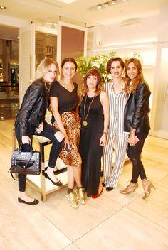 Antonia Bulnes, Gapsy Pizzoleo, Tatiana Fernandez Indez, Josefina Zua y María Paz Blanco en el lanzamiento de The Queen - Limited Edition en Alto Las Condes