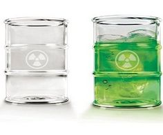 Your friends won't never forget having a drink in these Biowaste Barrel Glass! Share this awesomeness with them! Clever hazardous waste drum design. Awesome!