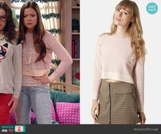 Jasmine's pink cropped sweater on I Didn't Do It.  Outfit Details: http://wornontv.net/50083/ #IDDI