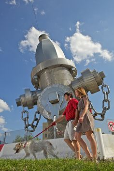 Columbia, SC is home to the world's largest fire hydrant. Just watch out for the world's largest dog...