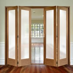 Free fold Oak Pattern 10 Style Folding 4 Door Set with Obscure Glass will look great within your home, all available at affordable prices. Wooden Sliding Doors, Sliding Door Design, Glass Room Divider, Room Divider Walls, French Doors Bedroom, Room Partition Designs, Movable Walls, Folding Doors, Folding Walls