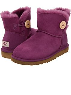 MY XMAS GIFT TO MYSELF!!! <3 UGG at Zappos.