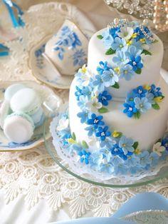 サムシングブルーの小花たち デザイン発表からずっと花嫁様に人気です Clay Art *ケーキ型リングピロー:販売しています