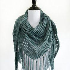 Lace Triangle Shawl - Free knitting pattern from www.kniftyknittings.com #knitting #knittingpattern #triangleshawl