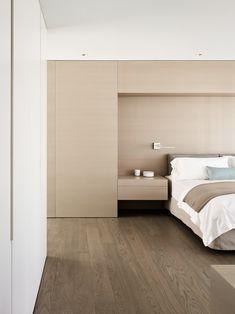 GT Private Residence is a minimal apartment located in San Francisco, California, designed by Garcia Tamjidi Architecture Design Decor Interior Design, Interior Decorating, Room Interior, Furniture Design, Minimal Apartment, Cedar Paneling, San Francisco Apartment, Bedroom Retreat, Bedroom Bed