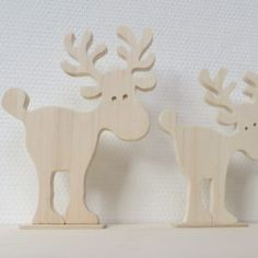 Many people believe that there is a magical formula for home decoration. Christmas Wood Crafts, Christmas Crafts, Christmas Decorations, Christmas Ornaments, Wooden Reindeer, Reindeer Craft, Scroll Saw Patterns, Wood Patterns, Christmas Stationery