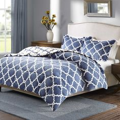 Features:  -Reversible plush.  -Twin set includes 1 comforter and 1 sham.  Product Type: -Comforter/Comforter set.  Pattern: -Geometric.  Material: -Micro Velour. Size Twin -  Number of Items Included