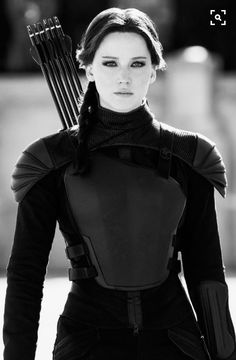 Jennifer Lawrence as Katniss Everdeen in The Hunger Games Series The Hunger Games, Hunger Games Catching Fire, Hunger Games Trilogy, Hunger Games Outfits, Divergent Series, Katniss Everdeen, Mocking Jay, Suzanne Collins, Cosplay