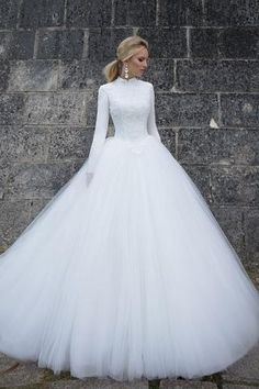 High Neck Ball Gown Long Tulle Muslim Wedding Dress with Long Sleeves
