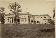 Tara Wali Kothi or Star house - Lucknow - Old Indian Photos Delhi Sultanate, Banks House, India House, India Facts, Around The World In 80 Days, Vintage India, Colonial Architecture, Living Styles, Old World Charm