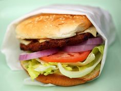 Hamburger di Carne e Peperoncino fatto con il Bimby: LEGGI LA RICETTA ► http://www.ricette-bimby.com/2010/11/hamburger-di-carne-e-peperoncino-bimby.html