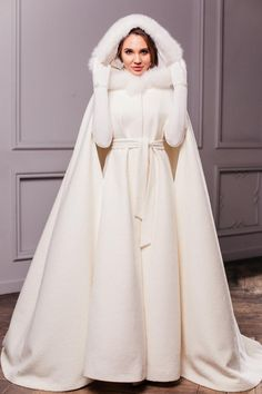Winter Wedding Coat, Winter Bride, Autumn Wedding, Modest Wedding Dresses, Bridal Dresses, Fantasy Gowns, Wedding Jacket, Most Beautiful Dresses, Beautiful Bride